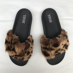 Shoes - Cheetah print fuzzy slides